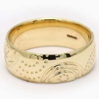 Haven Etched Wedding Band in Yellow Gold