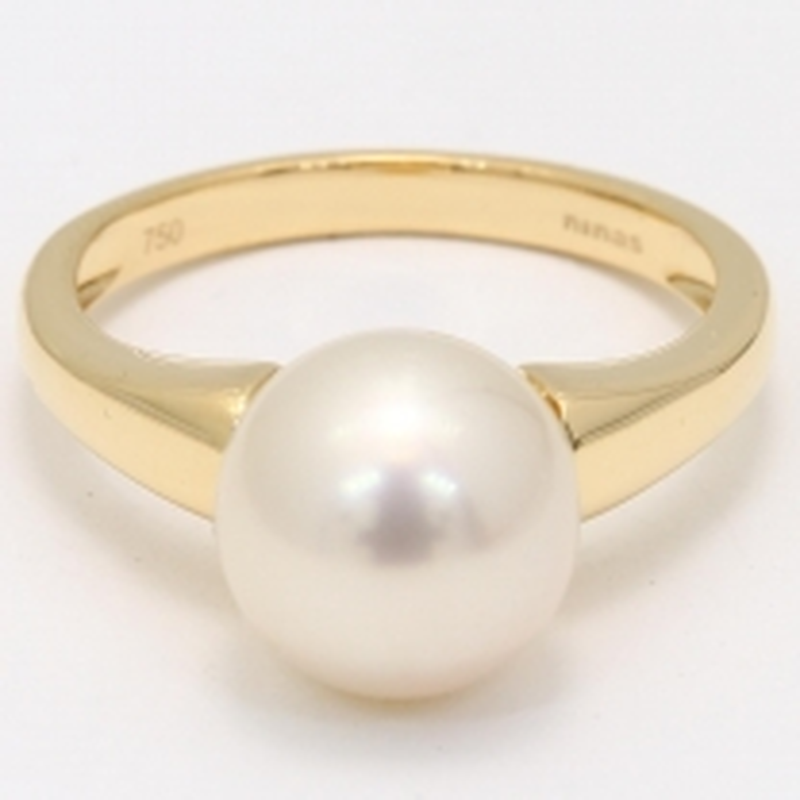 Mahina White South Sea Pearl Ring in Yellow Gold