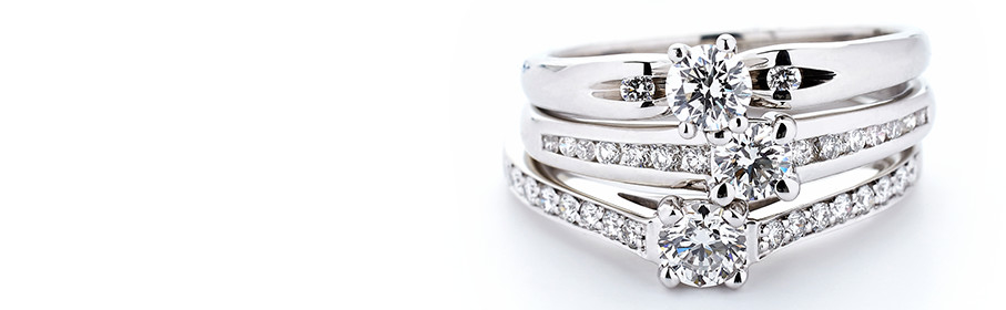 What Should You Spend on an Engagement Ring?