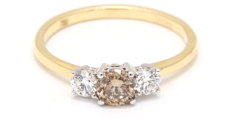 Three stone diamond rings | Engagement ring trends | Nina's Jewellery